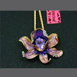 Betsey Johnson purple flower Necklace / Brooch
